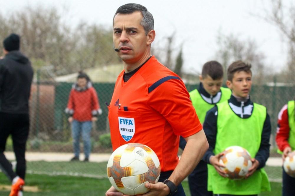 арбітр Ярослав Козик